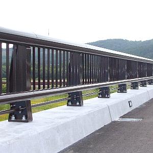 鋼製高欄のイメージ